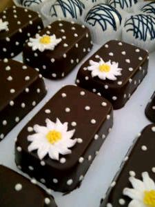 Chocolate petitfours