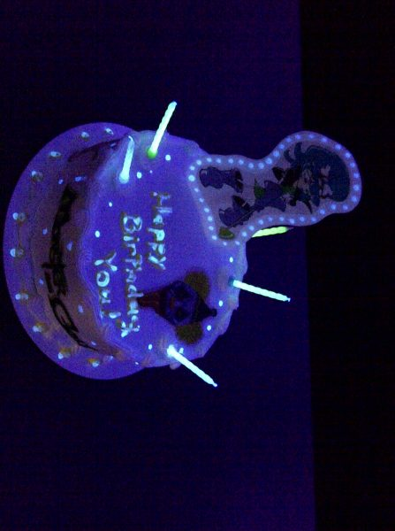 glow in the dark cake official mini golf glow in the cake source 4514