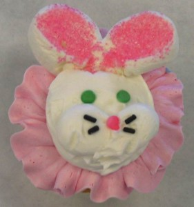 Makery Cake Co Easter Bunny cupcake