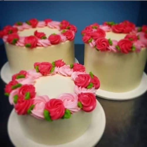 3 Fun Rosette Cakes