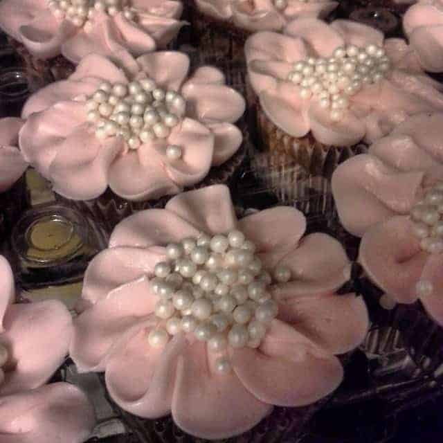 Buttercream Cupcakes with Pearl Centers