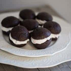 chocolate sandwhich cookie