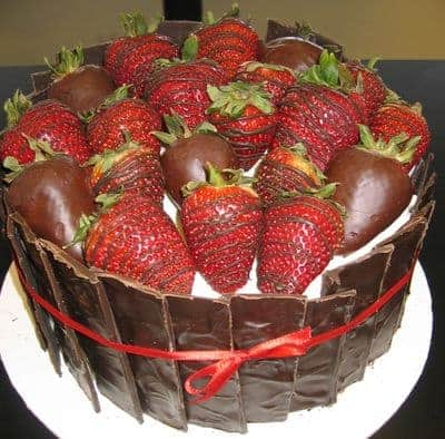 The Makery Cake Company Chocolate Covered Strawberries Cake