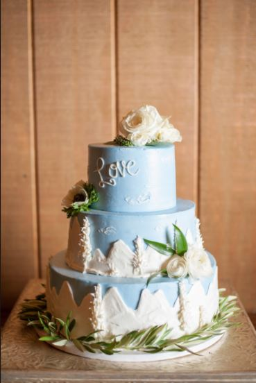 The Makery Cake Company Lovely Blue and White Mountain Cake