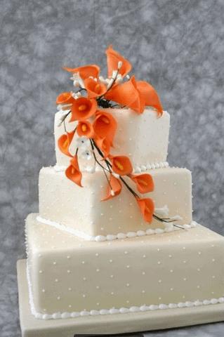 The Makery Cake Company Polka Dot and Calla Lily Cake