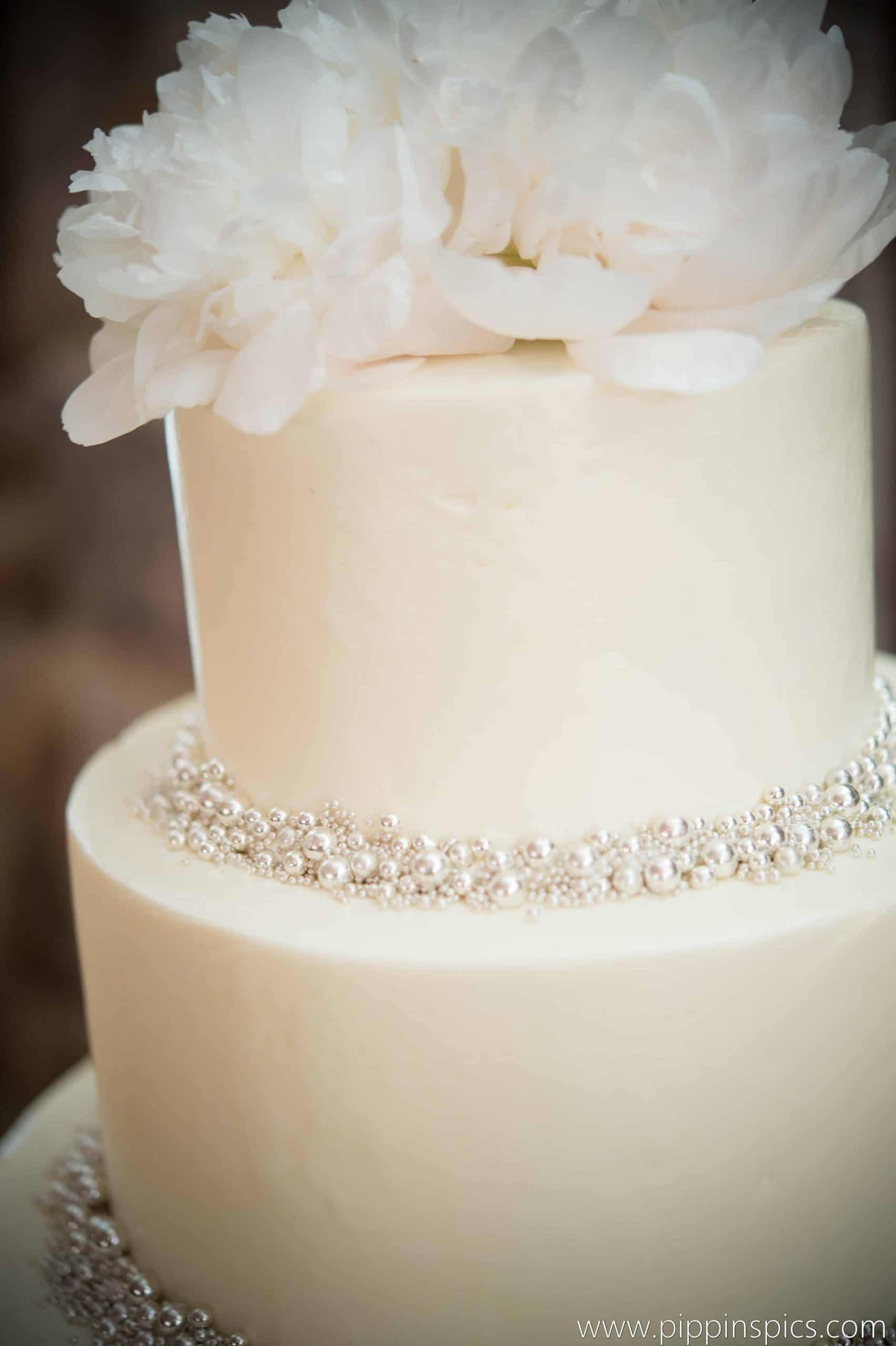 The Makery Cake Company Silver Ball Dragee Wedding Cake