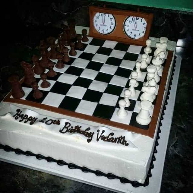 The Makery Cake Company Chess Cake with white Chocolate Chess Pieces