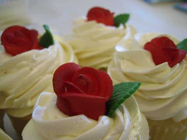 The Makery Cake Company Cupcakes Little Red Roses