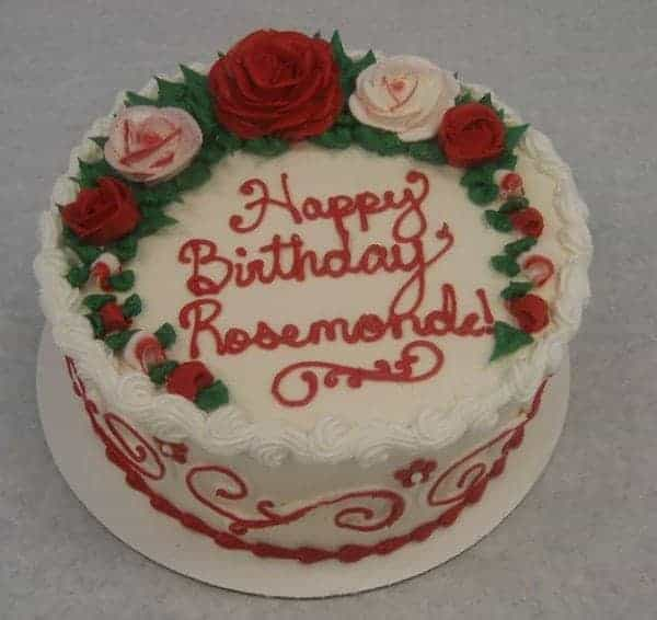 Scrolls and Roses on Top of a cake