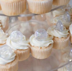 Rocky Mountian Bridal Show ring cupcakes